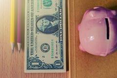 доллары таблицы u s Винтажные фильтры фото Мягкий свет Стоковое Фото