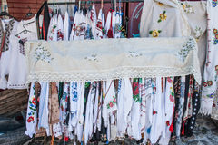 Одежда с украинскими национальными картинами вышивки Стоковые Фото