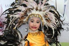 Одежда фестиваля маленькой девочки нося Стоковая Фотография RF