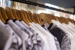 Одежды в магазине Стоковые Фотографии RF