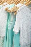 Одежды в магазине Стоковое фото RF