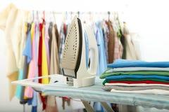 Одежды и утюг Стоковые Изображения