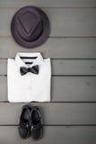 Одежды моды детей, обмундирование людей стоковая фотография