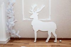 Олени рождества декоративные в интерьере Стоковое Изображение RF
