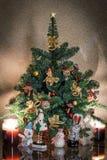 Одетая рождественская елка с игрушками Стоковое фото RF