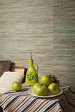 Оливки и яблоки Стоковые Изображения