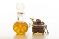 оливки оливки масла бутылки Стоковое Фото