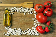 Оливковое масло, белые фасоли и томаты Стоковое Изображение RF