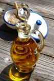 Оливковое масло и соль бутылки Стоковое Изображение