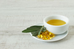 Оливковое масло для альтернативной обработки Стоковое Изображение RF