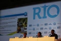 Олимпиады без расизма в бразильянине резвятся конференция Стоковое фото RF