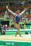 Олимпийские желчи Simone чемпиона Соединенных Штатов состязаясь свод на ` s женщин все-вокруг гимнастики на Рио 2016 Олимпийских  Стоковое Фото