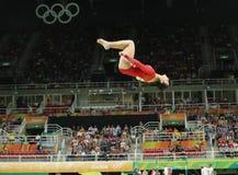 Олимпийский чемпион Aly Raisman Соединенных Штатов состязается на коромысле на ` s женщин все-вокруг гимнастики на Рио 2016 Олимп Стоковые Фото