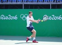 Олимпийский чемпион Andy Мюррей Великобритании на практике на Рио 2016 Олимпийских Игр на олимпийском центре тенниса Стоковое Фото