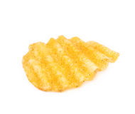 Одиночная изолированная хрустящая корочка картофельной стружки Стоковые Изображения RF