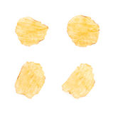 Одиночная изолированная хрустящая корочка картофельной стружки Стоковая Фотография
