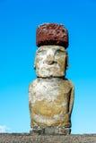 Одиночная статуя Moai на острове пасхи Стоковая Фотография RF