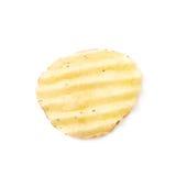 Одиночная хрустящая корочка картофельной стружки Стоковое Изображение