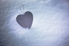 Одиночное серебряное сердце стоковое изображение