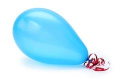 Одиночный голубой воздушный шар партии белизна изолированная предпосылкой стоковое изображение rf