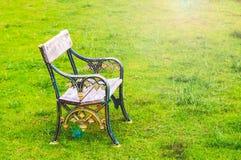 Одиночный стенд в парке стоковое фото