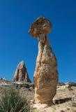 Одиночный утес гриба в Cappadocia, Турции Стоковые Фотографии RF