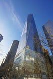 Один всемирный торговый центр - самый высокорослый buidling в новом Йорке МАНХАТТАНЕ - НЬЮ-ЙОРКЕ - 1-ое апреля 2017 Стоковые Изображения RF