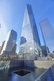 Один всемирный торговый центр - самый высокорослый buidling в новом Йорке МАНХАТТАНЕ - НЬЮ-ЙОРКЕ - 1-ое апреля 2017 Стоковые Фотографии RF