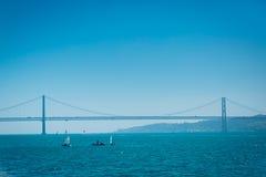 Один из самых больших висячих мостов в мире стоковое изображение