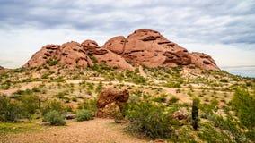 Один из buttes красного песчаника парка Papago около Феникса Аризоны Стоковые Изображения RF