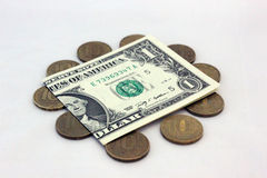 Один доллар США стоимость 100 русских рублей Стоковое Изображение