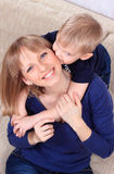 Портрет семьи матери и сынка Стоковые Фотографии RF