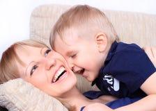 Портрет семьи матери и сынка Стоковые Фото