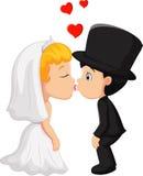 Один другого поцелуя groom и невесты шаржа a Стоковое Изображение RF