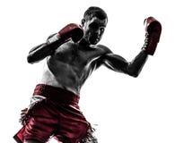 Один человек работая тайский силуэт бокса Стоковые Изображения RF