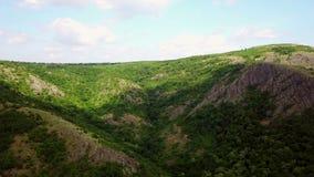 Одичалые горы Балканов лесистые видеоматериал