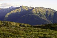 Одичалые горы завальцовки Стоковая Фотография