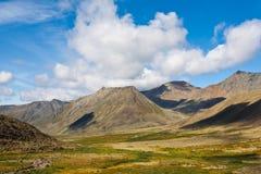 Одичалый ландшафт в горах Ural. Стоковые Фото