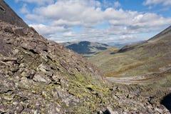 Одичалый ландшафт в горах Ural. стоковые изображения rf