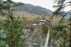 Одна малая церковь в горах среди леса Стоковые Фото