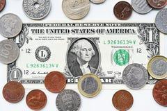 Одна долларовая банкнота и монетка Стоковое фото RF