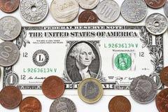 Одна долларовая банкнота и монетка Стоковое Изображение RF