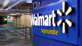 Одна сторона входа магазина Walmart акции видеоматериалы
