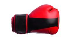 Одна черная и красная перчатка бокса на белой предпосылке Стоковое фото RF