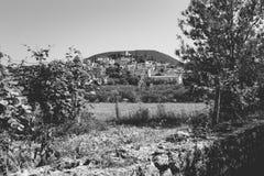 Одно из типичных подлинных французских горных сел в cou Стоковые Фото