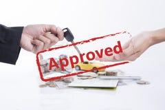 Одобренное согласование ссуды под недвижимость с автомобилем и ключом Стоковые Изображения