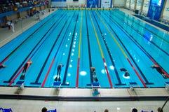 31 07 2017 до 07 08 2017 пятнадцатых чемпионатов младшего мира Finswimming  Томск стоковое фото rf