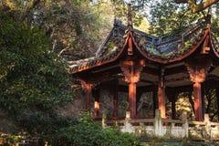 Павильон газебо традиционного китайския деревянный Стоковые Фотографии RF