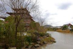 Павильон озером в putuoshan коллеже Будды, самане rgb Стоковое Фото