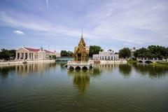 Павильон Aisawan-Dhipaya-Asana на летнем дворце Стоковые Фотографии RF